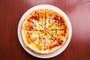 ピザの具材は旬のものを使用!