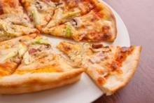 ミックス・ピザ   旬な食材を使用している為、詳細はスタッフまで。